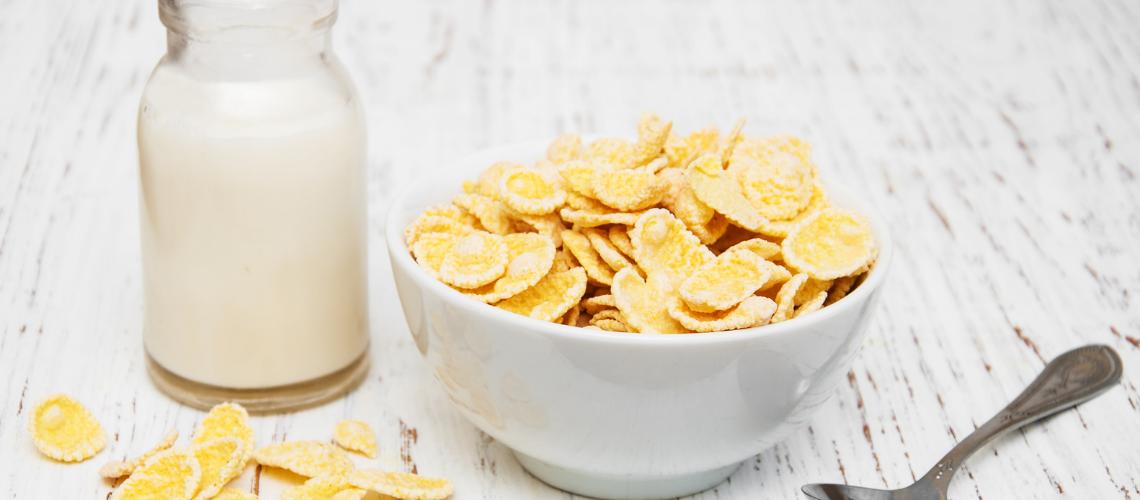 Cornflakes, Milk & Berries Recipe