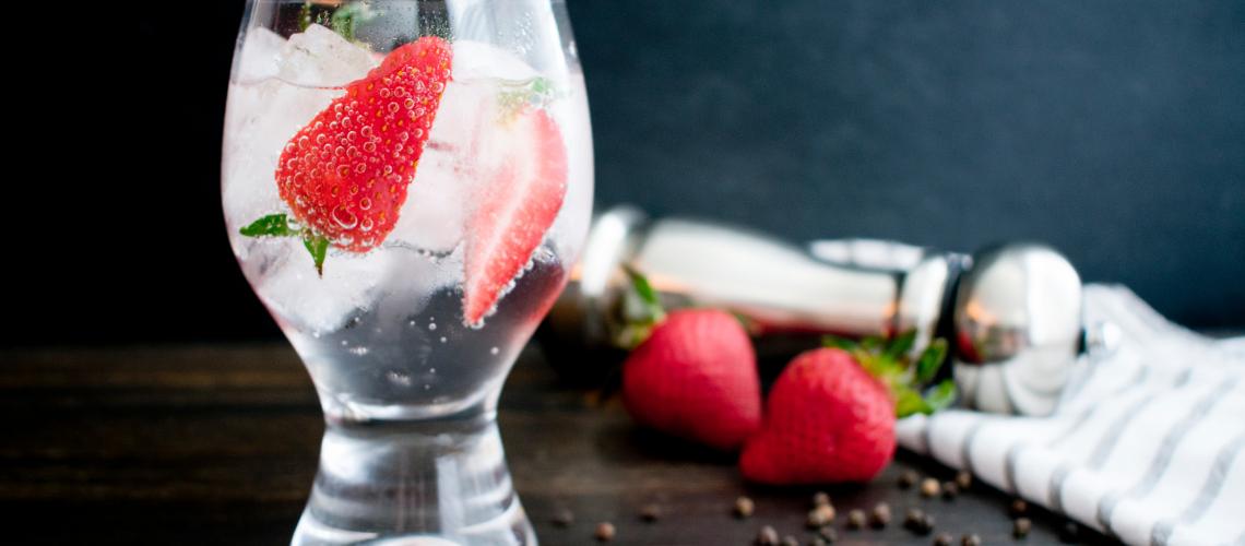 Strawberry Gin Smash Cocktail