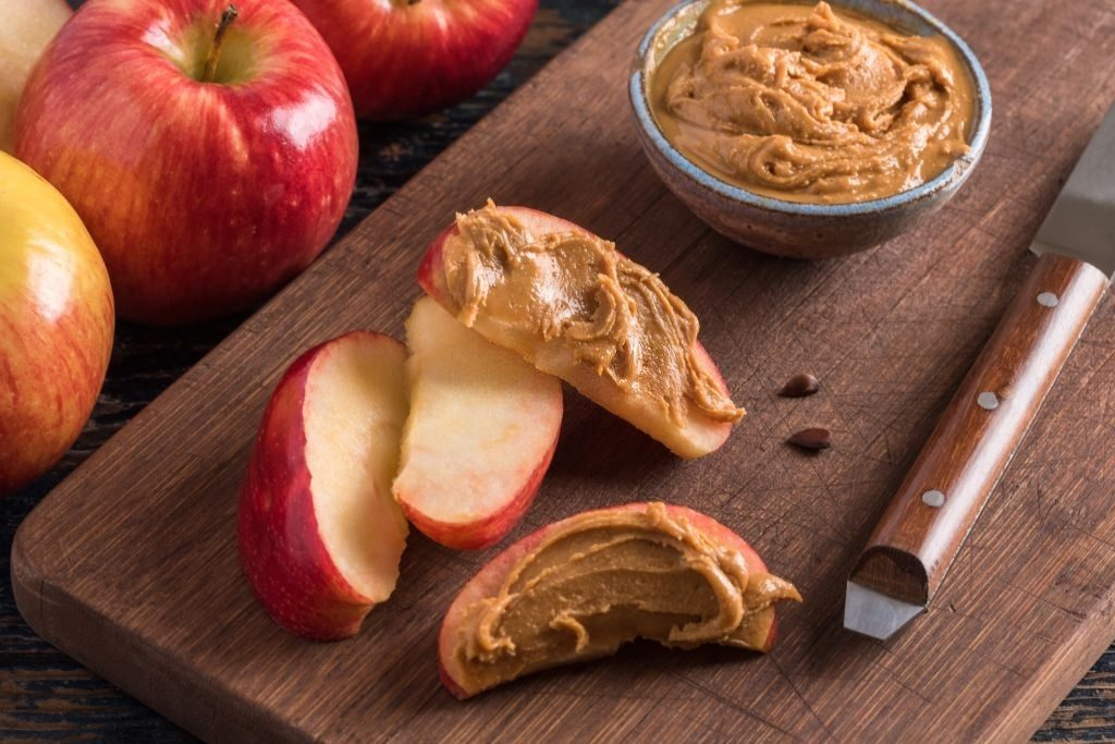 Article 5 Apple Sliced With Peanut Butter